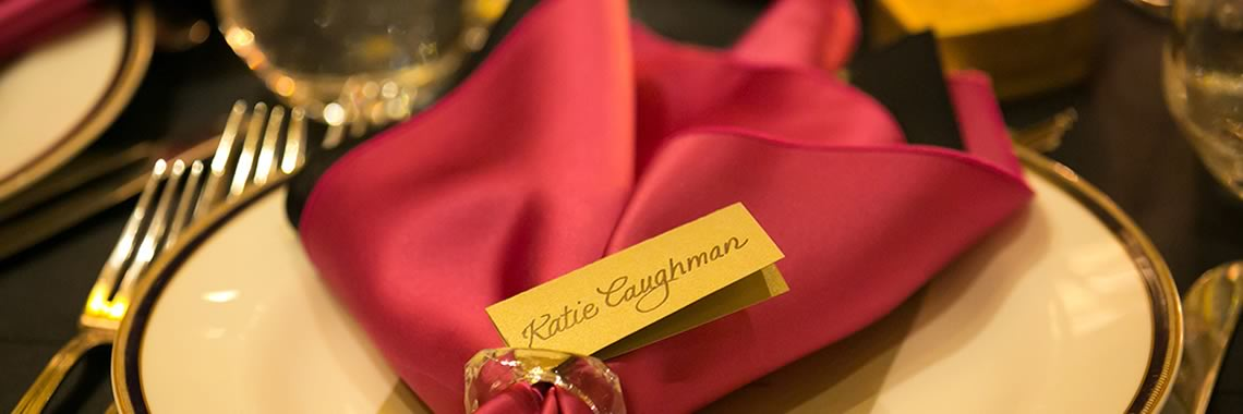 red napkin with a name tag